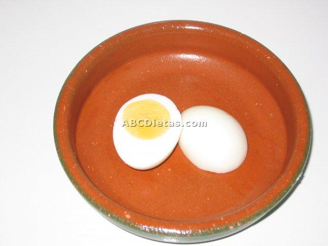 Cómo pelar un huevo duro