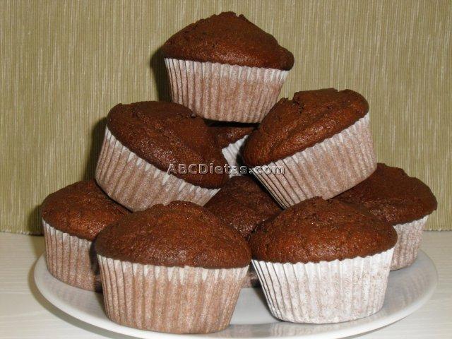 Magdalenas negras de chocolate
