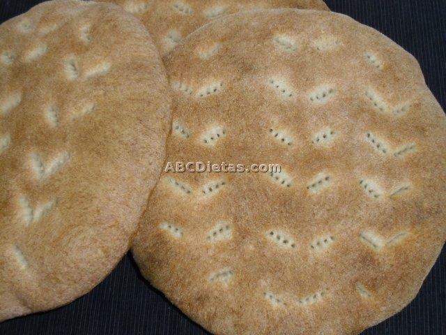 Pan árabe de sémola, sabroso y nutritivo